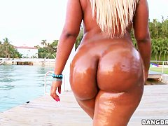 Big ass blonde Gizelle XXX oiled up ass parade