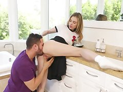 Peculiar hottie Anya Olsen gets her soaking pussy drilled on kitchen counter