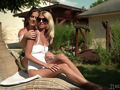 Experienced lesbian Missy Luv gives a good cunnilingus all over sex-appeal girlfriend