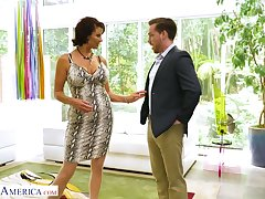 Impoverish eating cougar Vanessa Videl has an affair with one young handsome guy