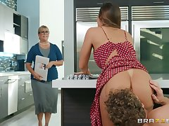 Big ass wife fucked changeless prevalent the kitchen and made to acquisition bargain